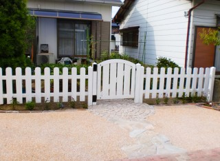 自然素材をふんだんに取り入れた家族が集う庭6