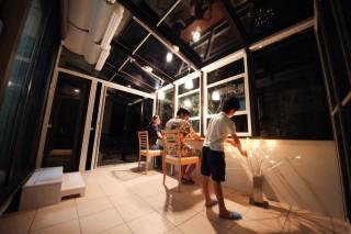 夜のガーデンルーム